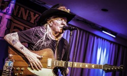 Johnny Winter at The Bull Run – MA