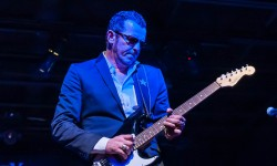 Gary Hoey's Ho Ho Hoey Christmas Show at The Blue Ocean Music Hall – MA